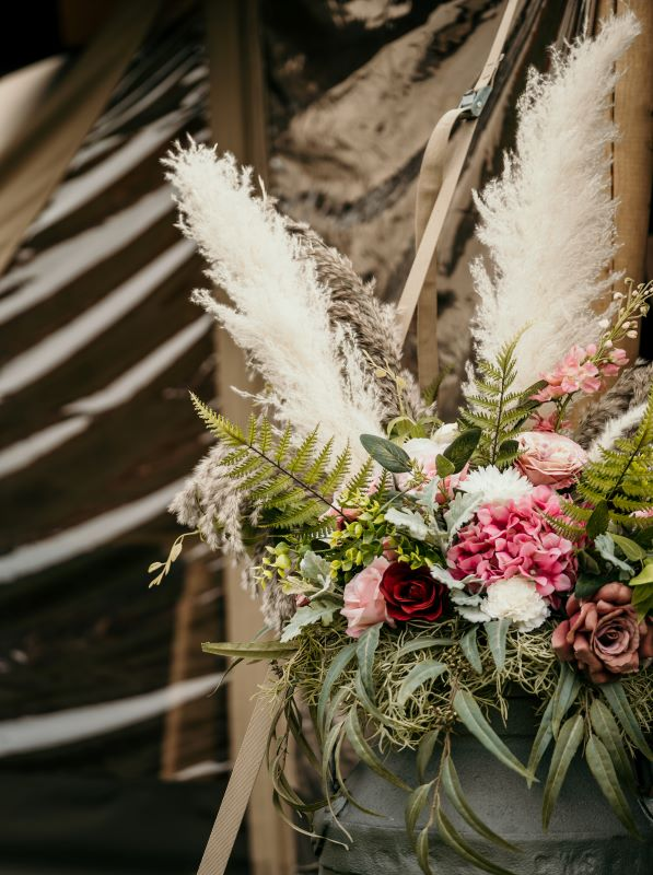 Fake flowers for an eco wedding